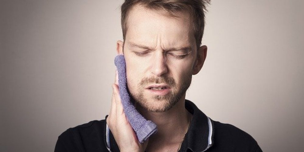 Does COVID-19 cause jaw pain?
